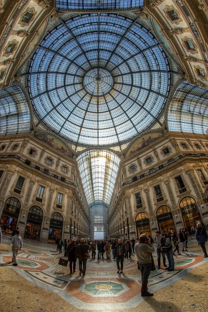 People in Milan 2015-03-10 134233