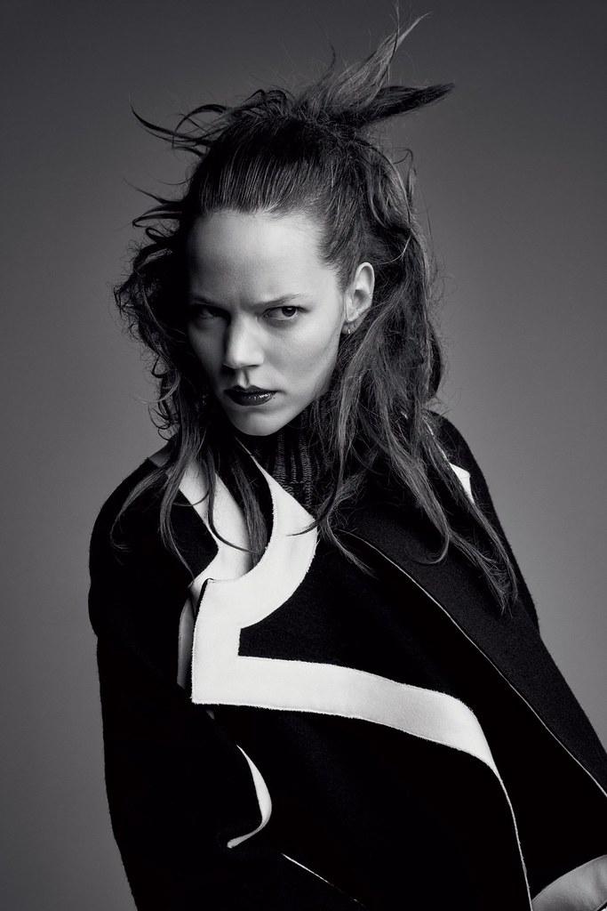 Фрея Беха Эриксен — Фотосессия для «Vogue» UK 2016 – 14