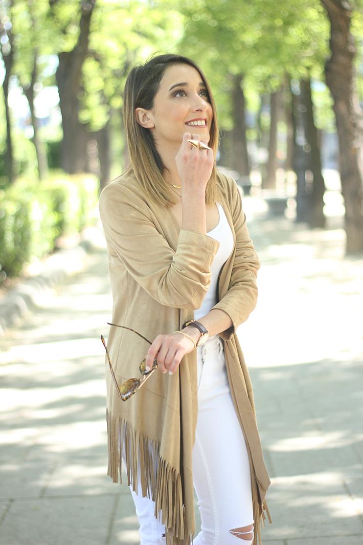 White Outfit With A fringed jacket18