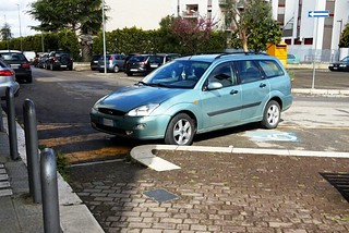 Noicattaro. Parcheggi disabili front