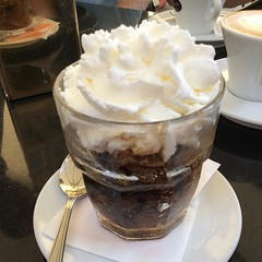 mocaccino, whipped cream, food, dish, affogato, drink, dessert, cuisine,