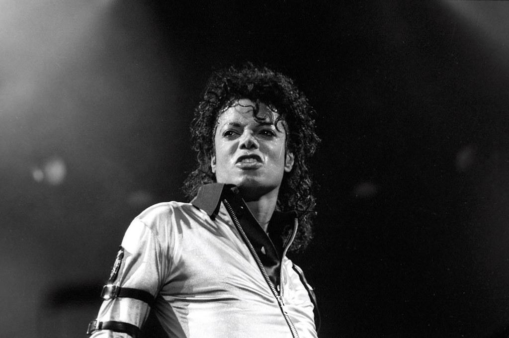 Фото Майкла Джексона на сцене
