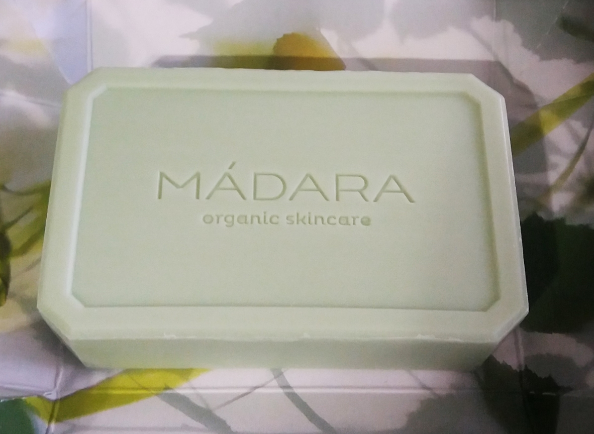 Birch & Algae Balancing face soap by Madara