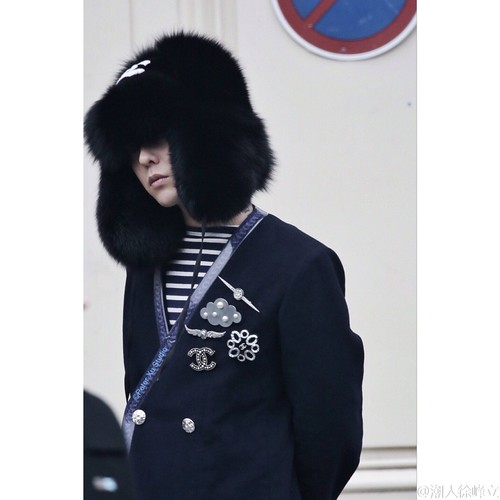 G-Dragon Chanel Haute Coutoure at Grand Palais Paris 2016-01-26 cr on pic (24)