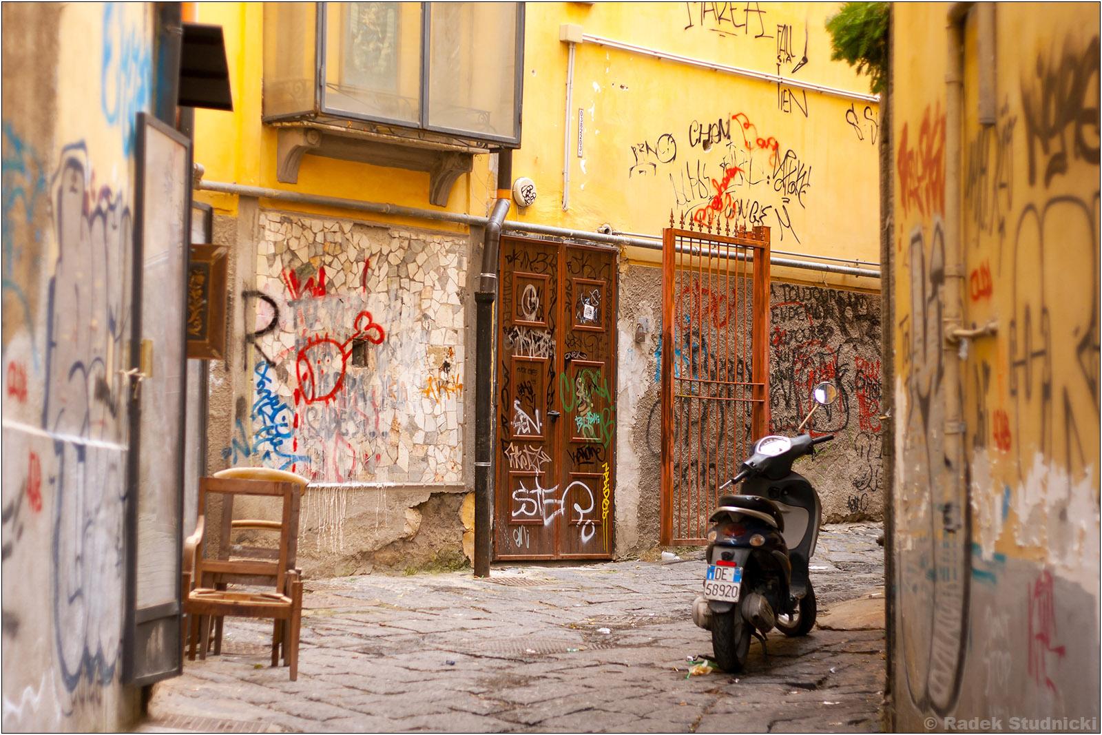 Stare uliczki Neapolu