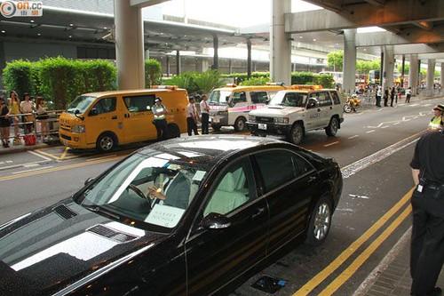 GDragon-arrival-HongKong-20140806 (13)