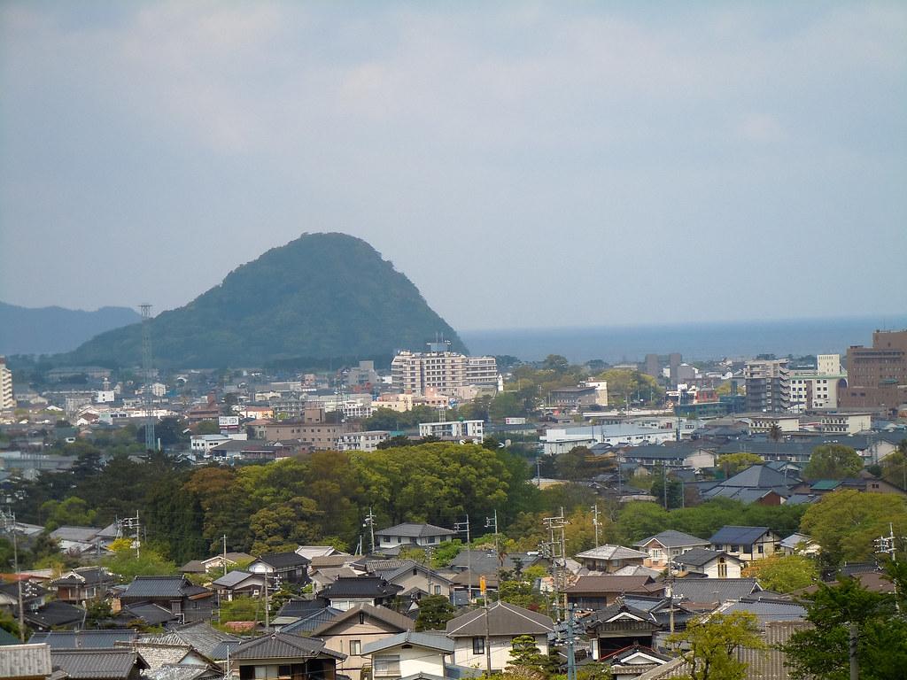 吉田松陰誕生地から見た指月山