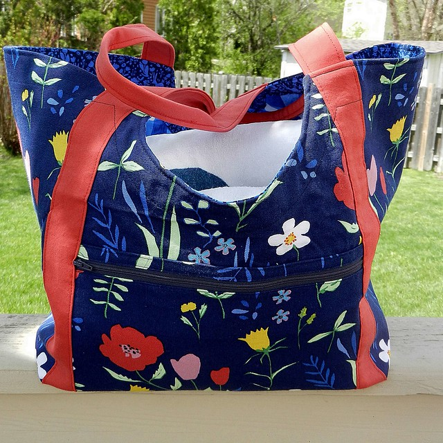 Tote with towels