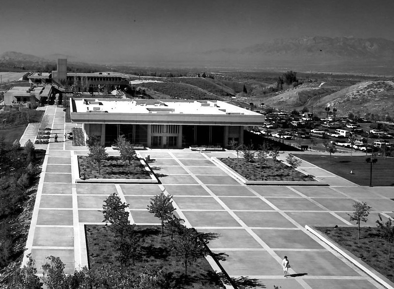 Crafton-Hills-College-Library-Shulman-2