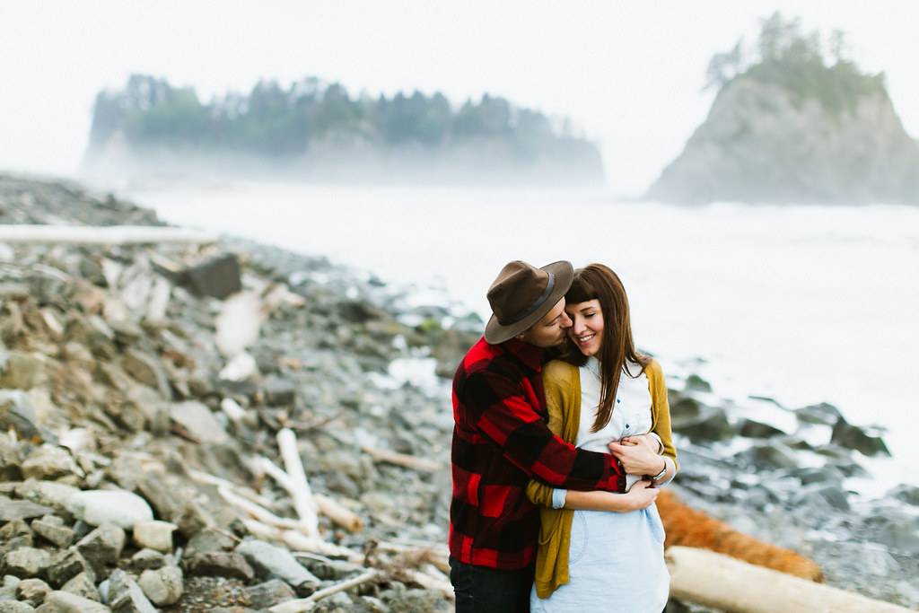 Washington Adventure Engagement Photographer