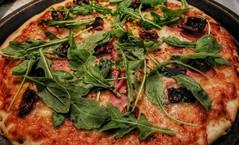 Homemade Prosciutto, Pomodori Secchi i Rucola Pizz…