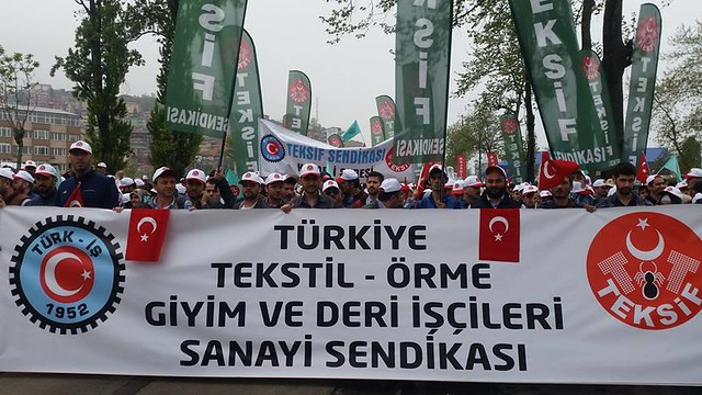 TEKSIF unionists march for May Day in Turkey