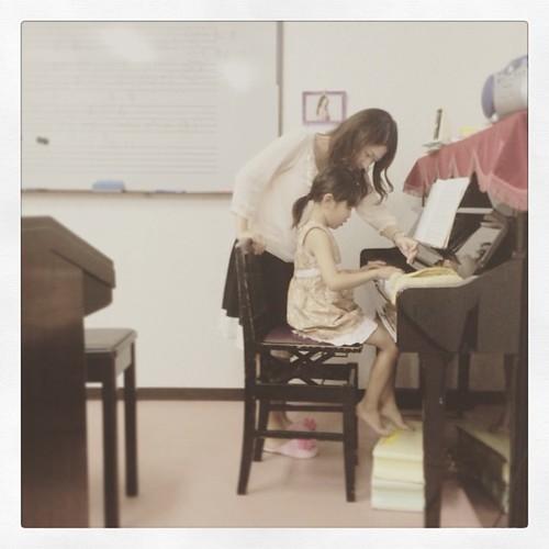 私が子どもに習い事をすすめる理由!習い事のメリットは、家族以外の大人との関係が生まれることのタイトル画像