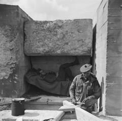 De 3e Canadese infanterie brigade verovert kop van de Afsluitdijk, Kornwerderzand, 18 april 1945   The 3rd Canadian infantry brigade conquered Kornwerderzand at the Afsluitdijk, april 18th 1945   La 3eme brigade d'infanterie canadienne a vaincu Kornwerder