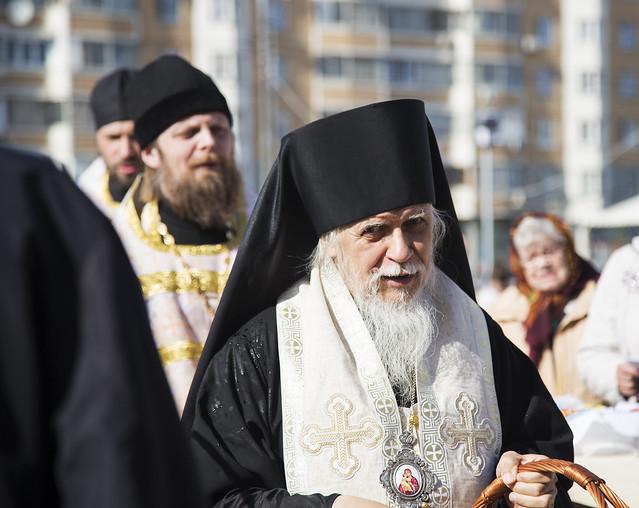 2016.04.30 Владыко Пантелеимон Освящение Куличей