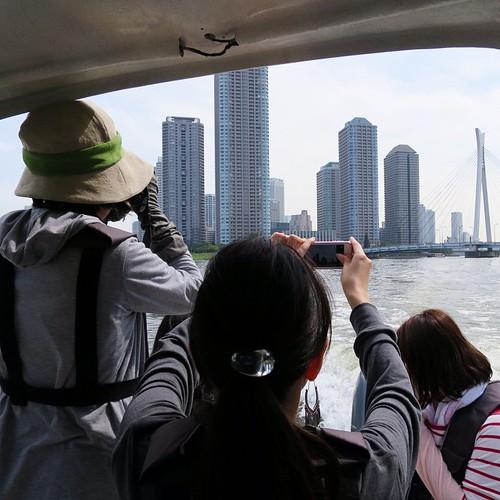 船から見る景色、なんか不思議。