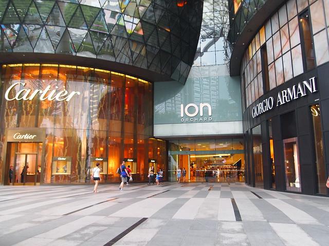 アイオン・オーチャード(ION Orchard) シンガポール