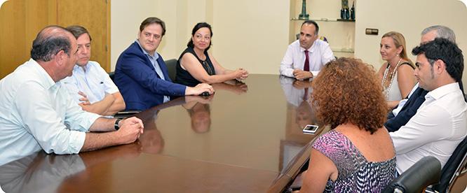 UPCT y Amefmur formarán recíprocamente a estudiantes y gerentes de empresas familiares