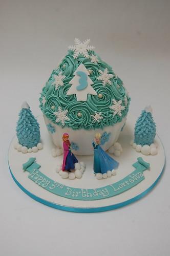 Surprising Frozen Giant Cupcake Beautiful Birthday Cakes Funny Birthday Cards Online Aboleapandamsfinfo