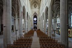 Intérieur de la collégiale Saint-Gervais-Saint-Protais