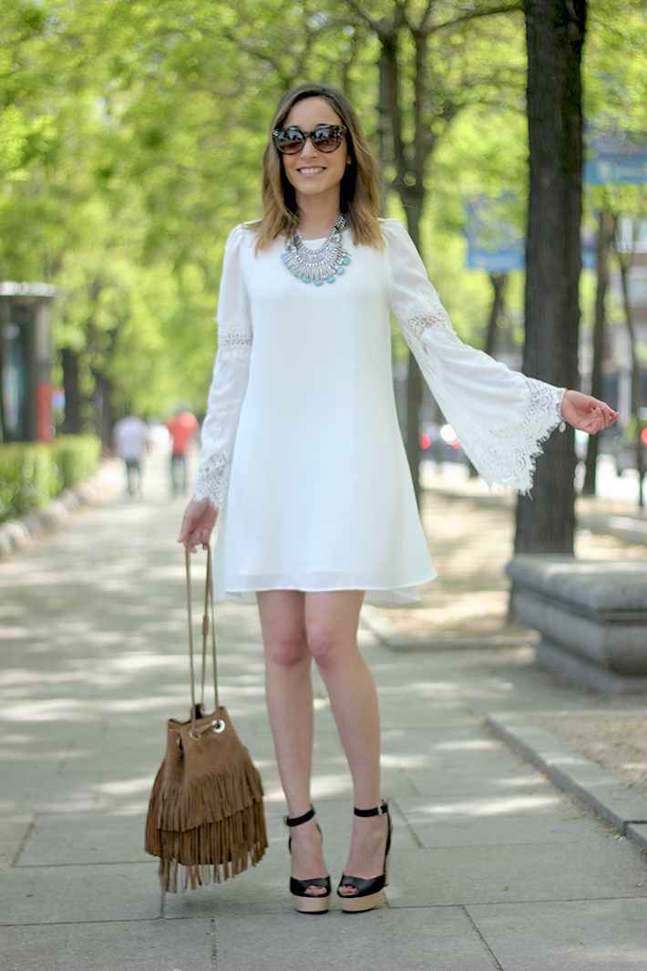 white dress with lace sleeves01