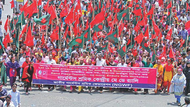 National Garment Workers' Federation in India holds march for May Day, 2015