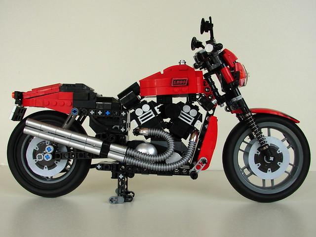 LEGO V-ROD (1)