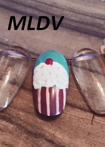 Cupcakes nail art
