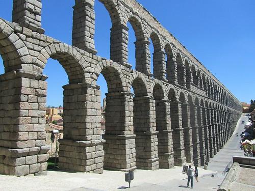 aqueduct-335122_1280