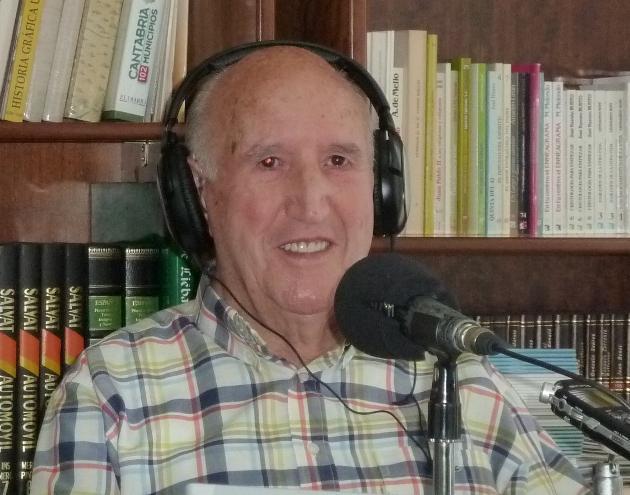 Julián, un orgulloso seguidor del Athletic nos trae sus recuerdos a RECUERDOS Y CANCIONES de RADIO JOFRE en la Residencia Santa Ana de Santoña