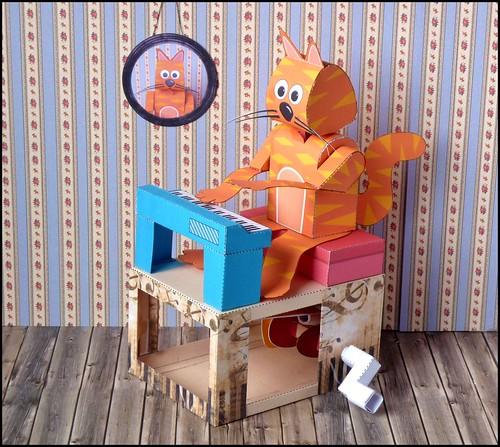 Keyboard Kat [Katze], a paper automaton