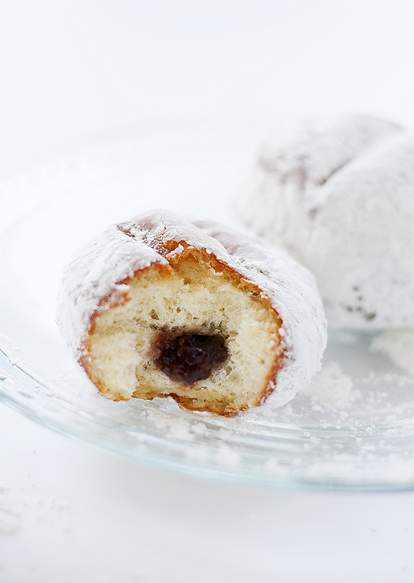 homemade jelly doughnuts