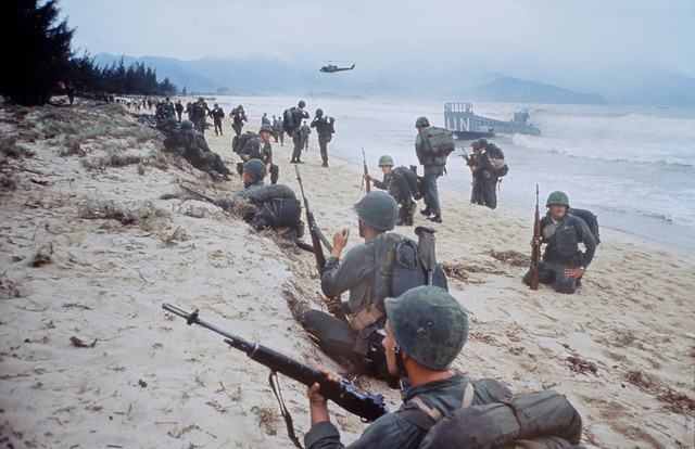 DA NANG 1965 - by Larry Burrows