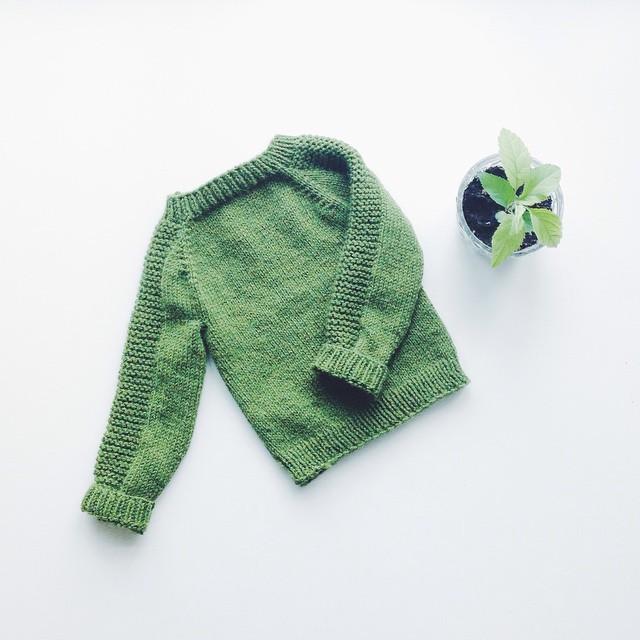 ta-da! ein grøn genser til liten pjokk #avpinnene ✔️