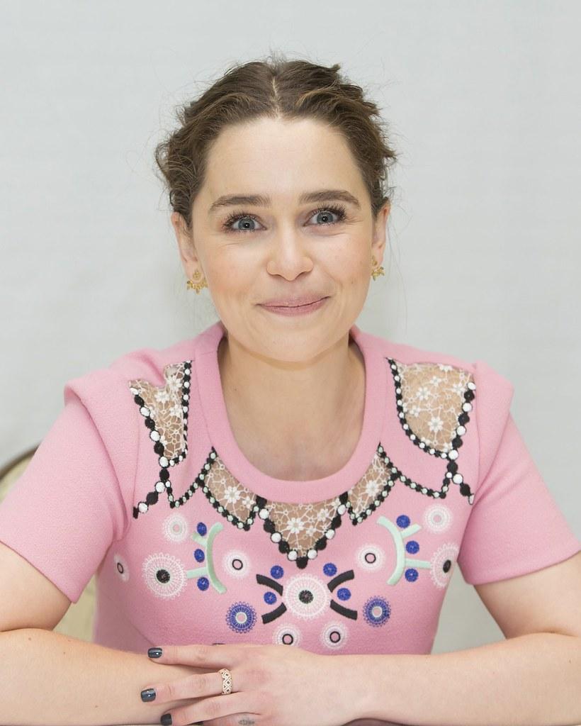 Эмилия Кларк — Пресс-конференция «Игра престолов» 2016 – 65