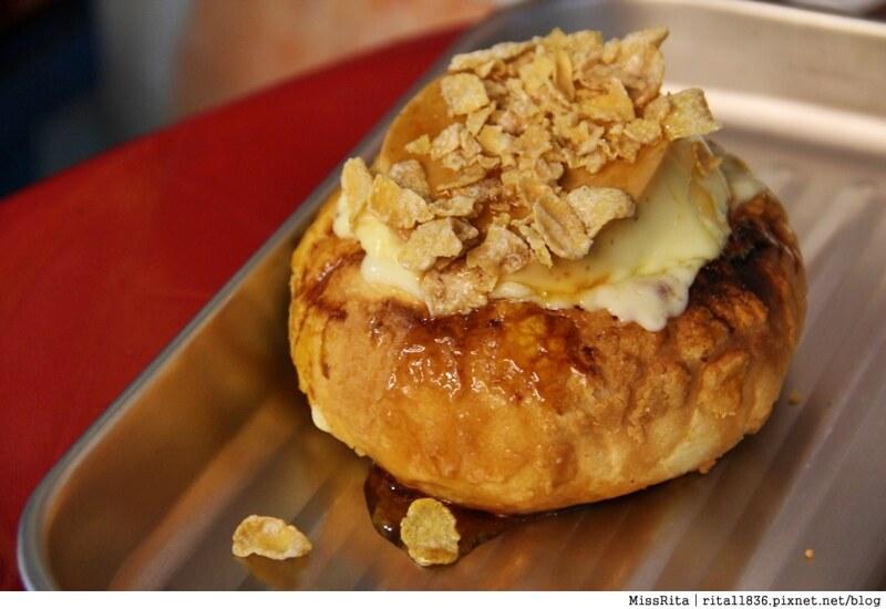 台中一中街好吃 一中麵包彈 義麵焗烤法國球 一中街美食28