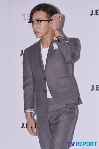 G-Dragon-JEstina-20140903(22)