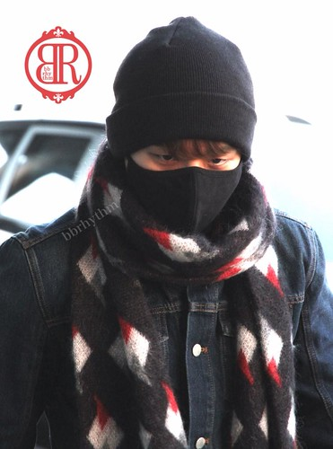 Big Bang - Gimpo Airport - 15jan2015 - Seung Ri - BB Rhythm - 02