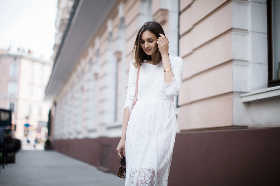 streetstyle-white-lace-dress-outfit-blog