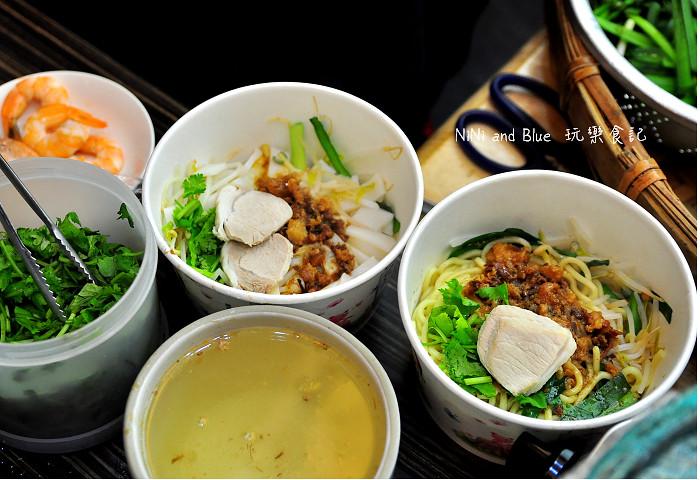 17929157439 bc96845742 b - 李蕃薯担仔麵,一碗台南担仔麵,傳承一世人的回憶,桂蒜香酥鴨,美味萬壽公園對面