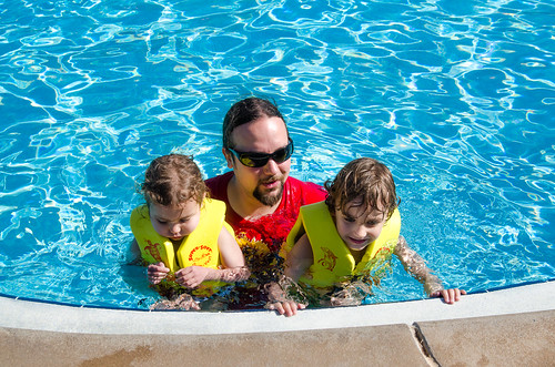 20160417-Disney-Vacation-Day-3-Pool-Time-0190