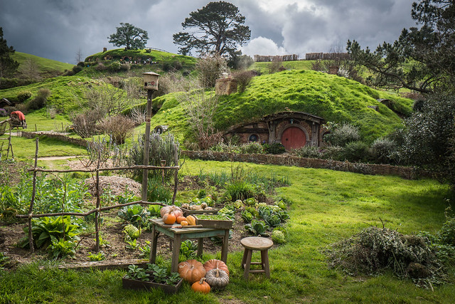 Hobbiton on a cloudy day- North Island New Zealand Road Trip | New Zealand North Island Itinerary | must see | Attractions | Things to do in NZ | Tours | Points of interest | What to see | Highlights | Places to see | Budget Guide | Fun things | Camper van | Motorhome