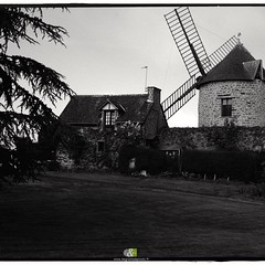 A L'OUEST|9/20| more : http://ow.ly/QWef304YPhV #B&W #britain #landscape #paysage  #windmill #blackandwhite #noiretblanc #bretagne #moulins #moulinavent #vintage