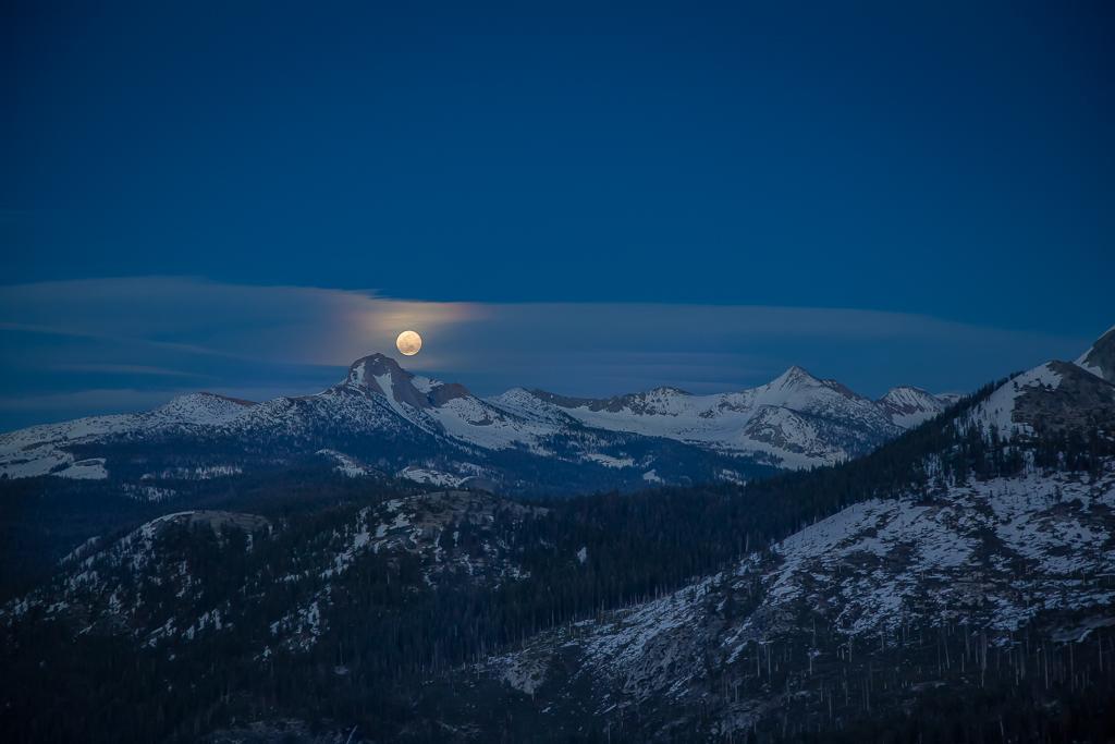 Glacier Pt moon 8515-
