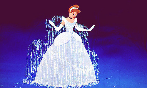 Cinderella-disney-31583119-701-422.jpg