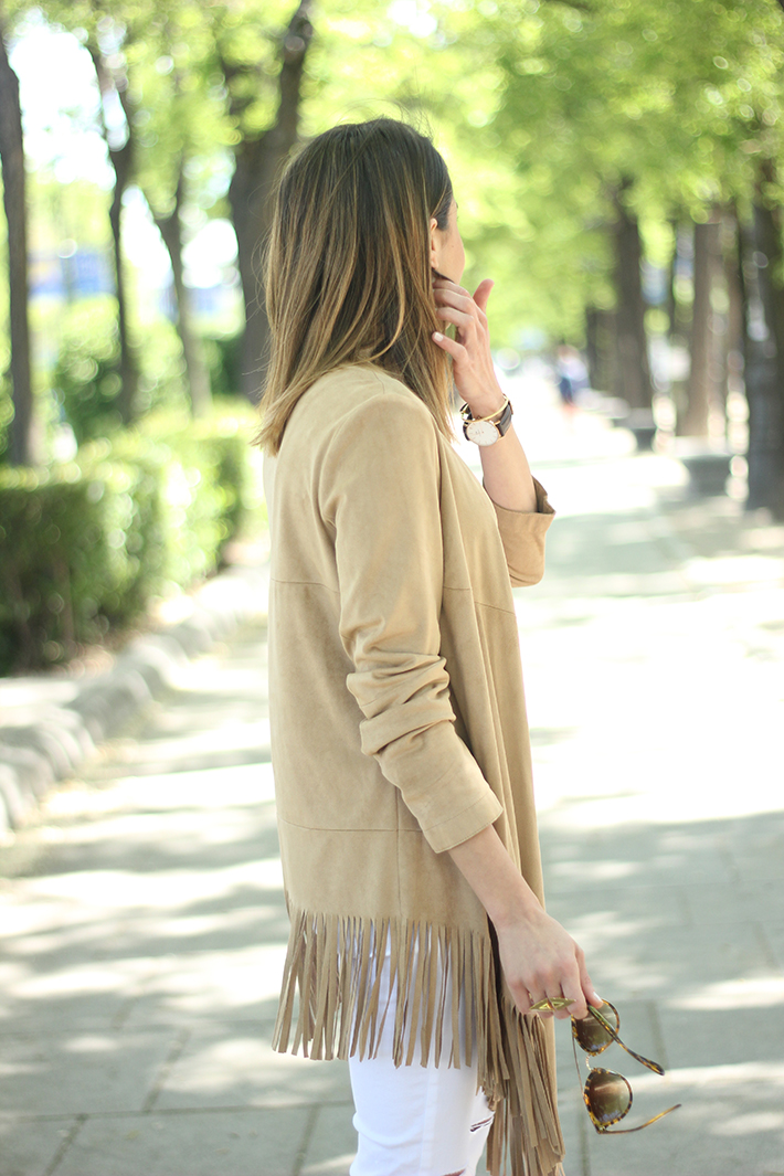 White Outfit With A fringed jacket15