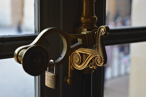 Details of a window handle