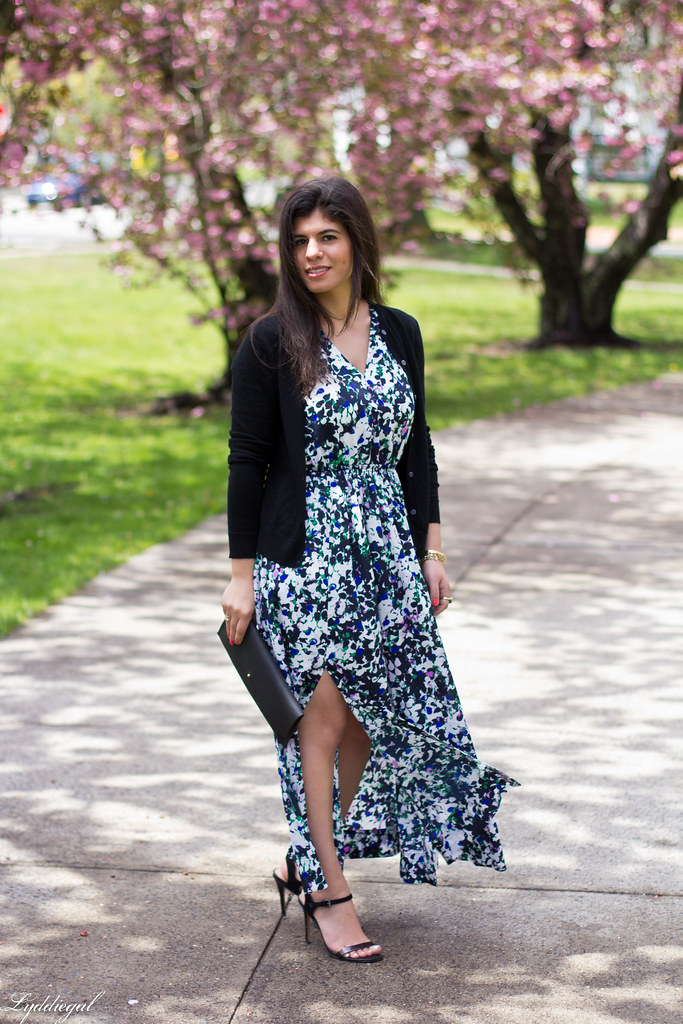 floral maxi dress, scalloped edge clutch, black sandals-1.jpg