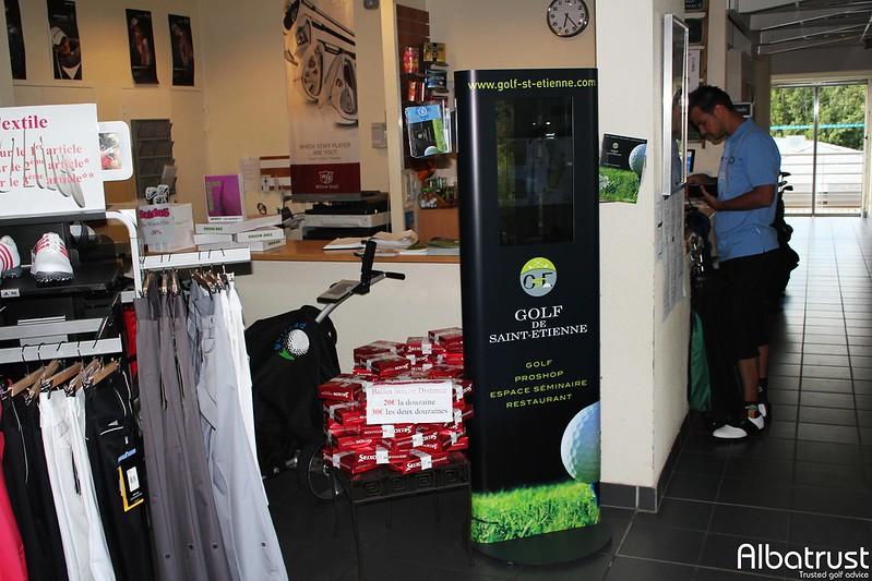 photo du golf Golf Public De St Etienne - Parking