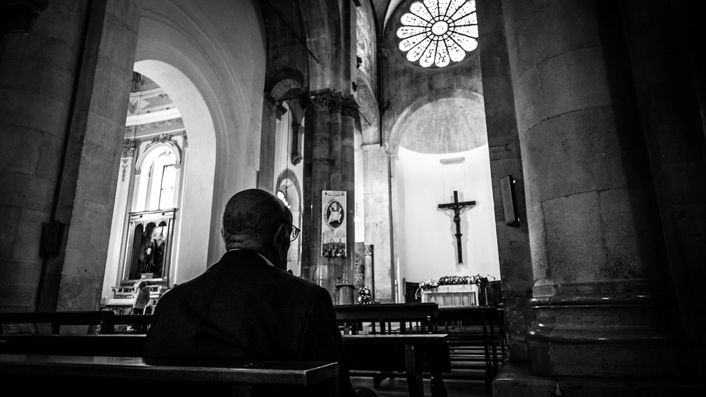 Praying, Troia, Italy picture